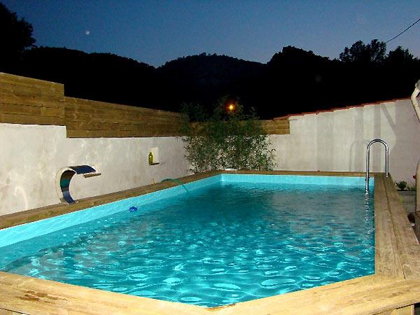 Piscine bois piscines en bois fabricant piscines bois en for Fabricant piscine bois