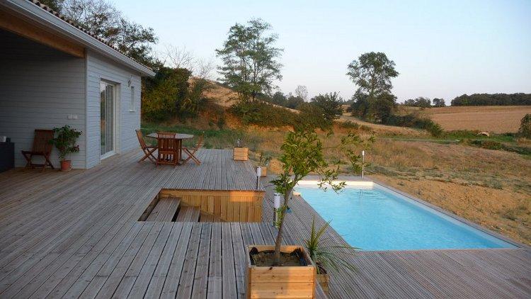 abris chalets de jardin terrasses bois piscines spas. Black Bedroom Furniture Sets. Home Design Ideas